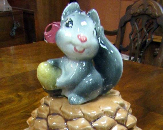 Metlox cookie jar squirrel on pinecone