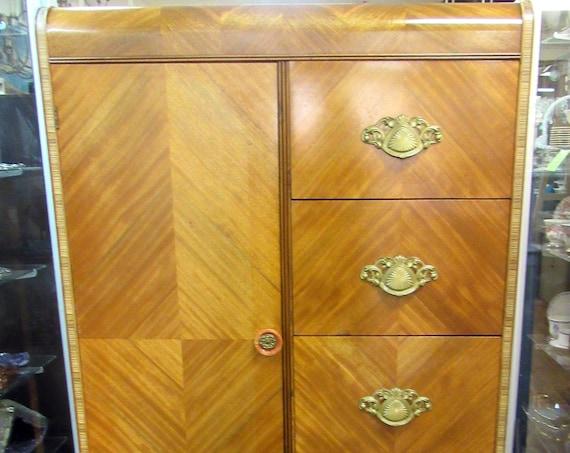 Art Deco Chifferobe dresser armoire