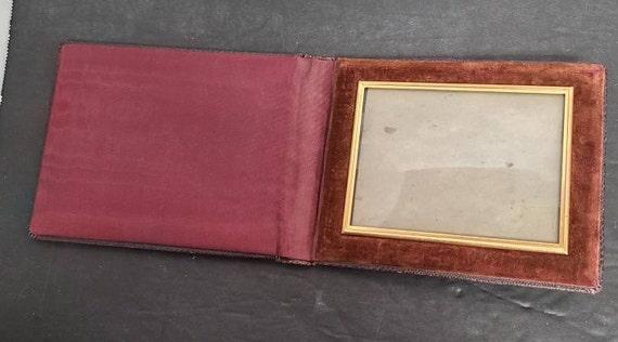 Travel photo frame holder