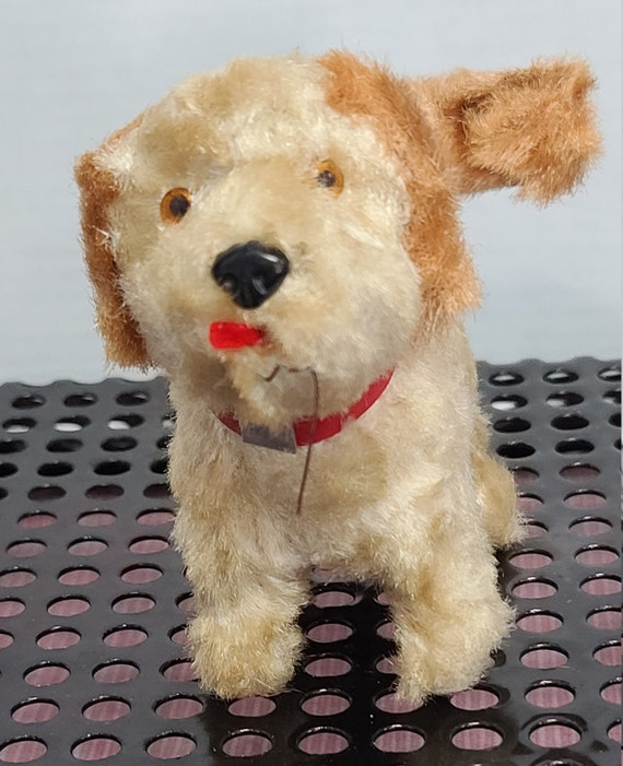 Wind Up puppy with wagging tail