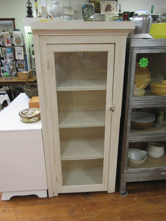 Whie cabinet shabby chic with shelves and glass door