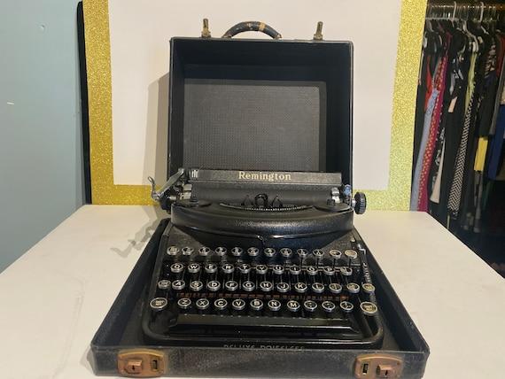 Remington Portable Typewriter Deluxe Noiseless