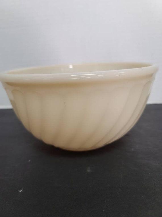 Fire King ivory swirl mixing bowl