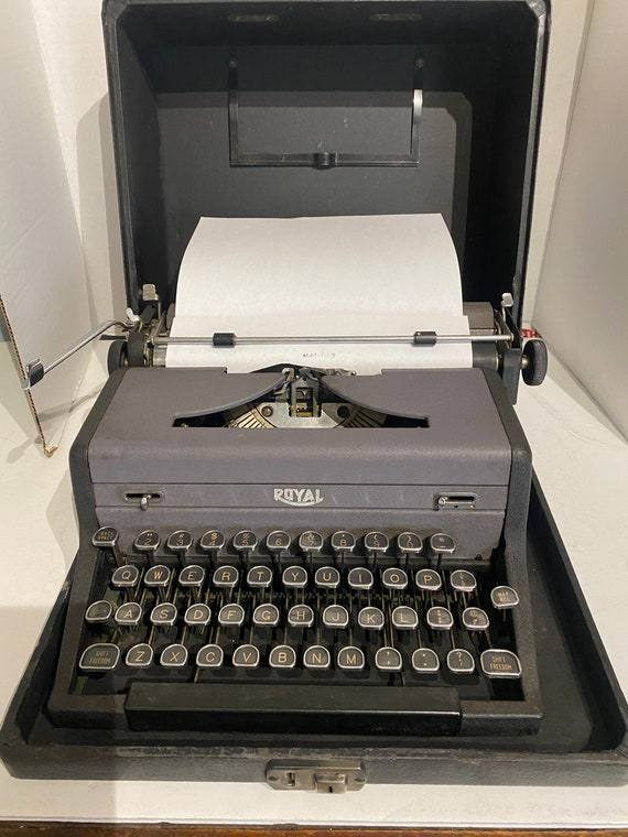 """Royal """"Arrow"""" model portable typewriter with case"""
