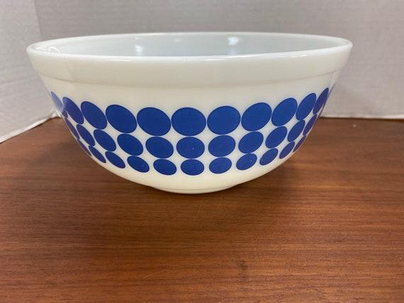 Pyrex Blue Dot mixing bowl