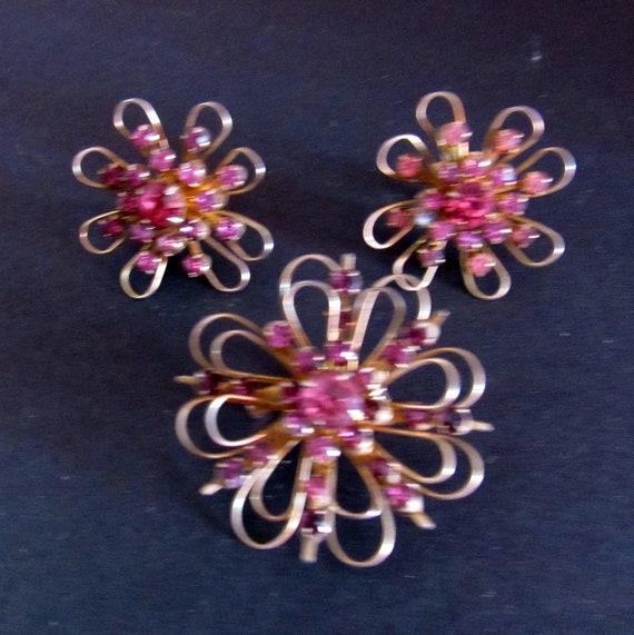 Coro fushia rhinestone flower pin and earrings