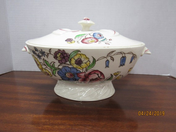 May Flower tureen with lid