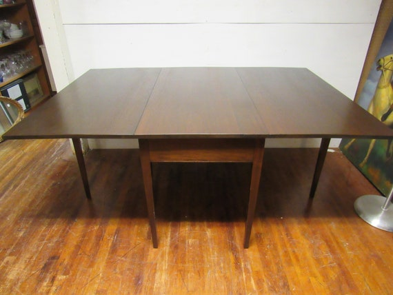 Mahogany drop leaf dining table gateleg