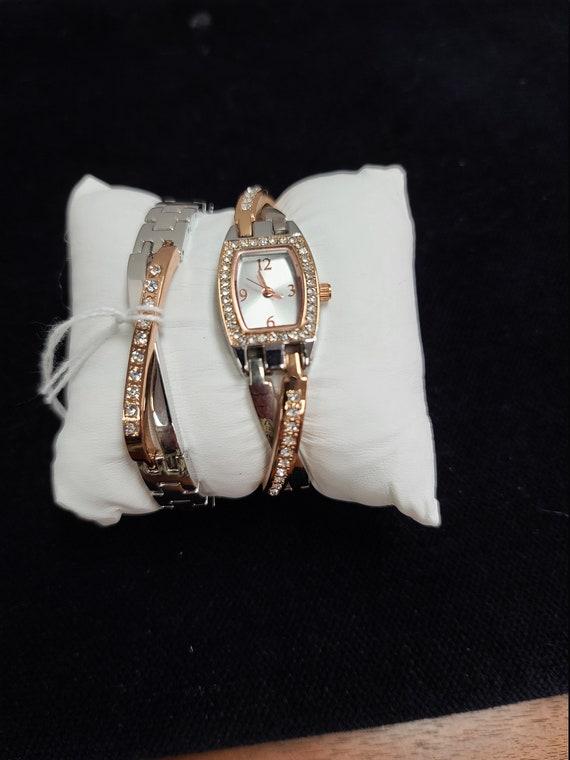 Watch with matching bracelet wristwatch
