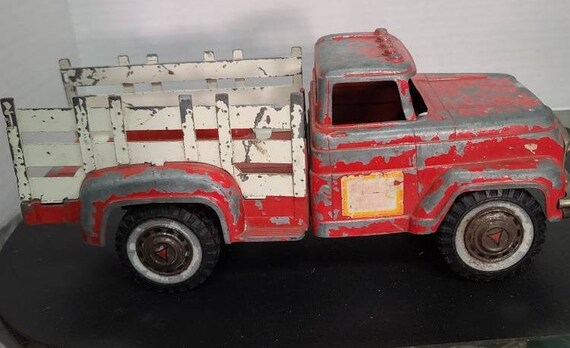 Hubley Mighty Metal stake bed truck