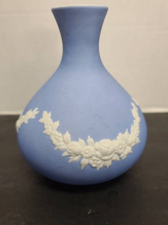 German blue and white vase
