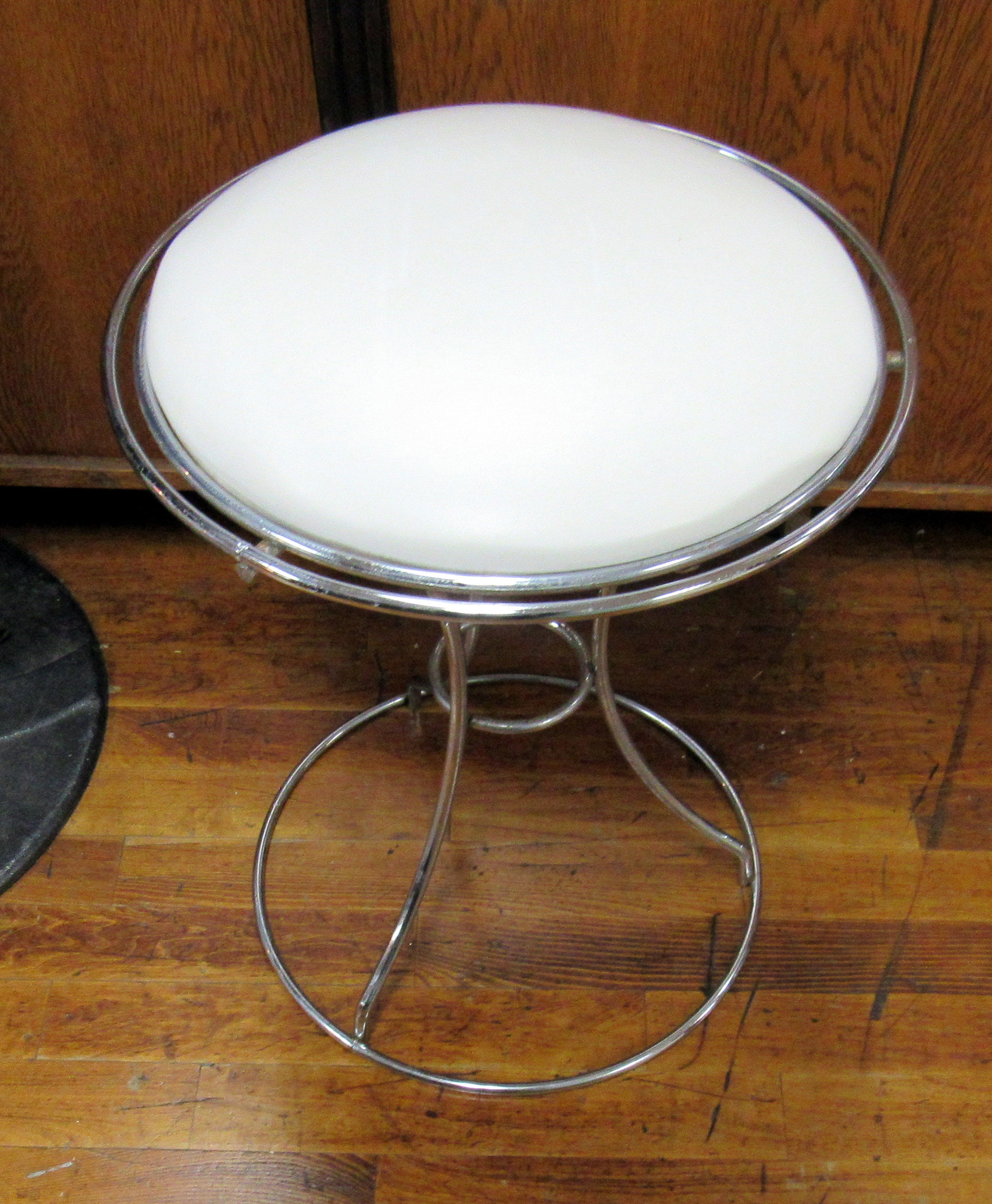 Incredible Vanity Stool Chrome And White Short Links Chair Design For Home Short Linksinfo