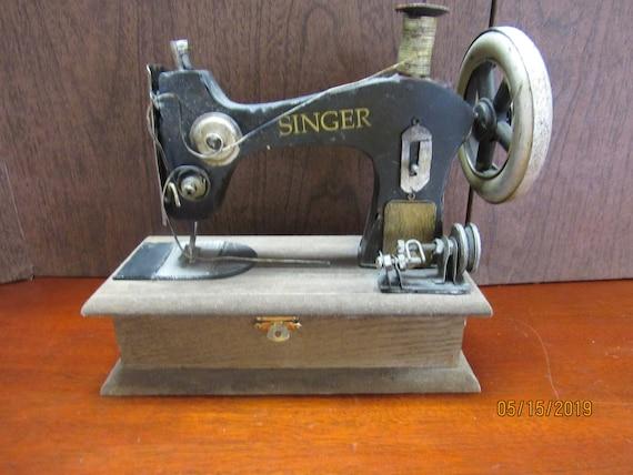 Singer sewing machine small box