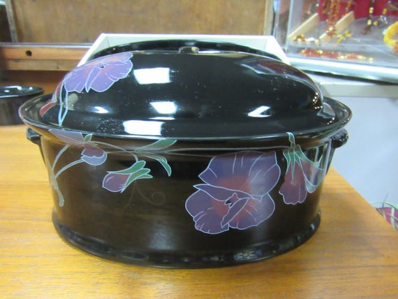Mikasa Tango two quart oval covered casserole