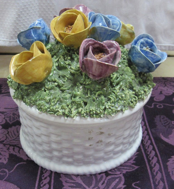 Floral basket that opens