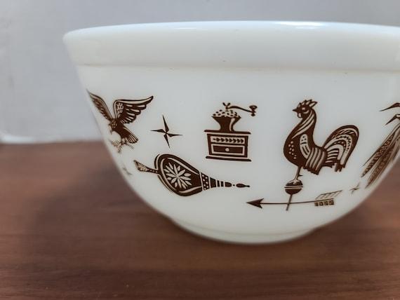 Pyrex Early American 1 1/2 qt mixing bowl