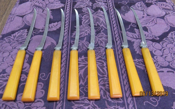 Vintage Henry's Fish Knives or tomato and steak knives with bakelite handles