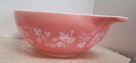 Pyrex Pink Gooseberry cinderella mixing bowl #444