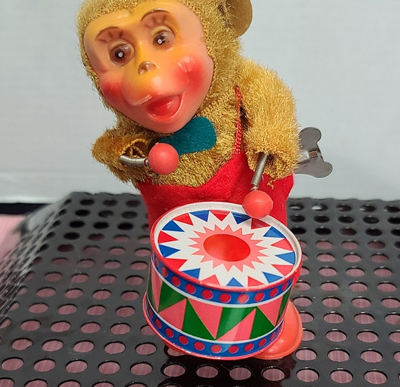 1950's wind up monkey playing drums