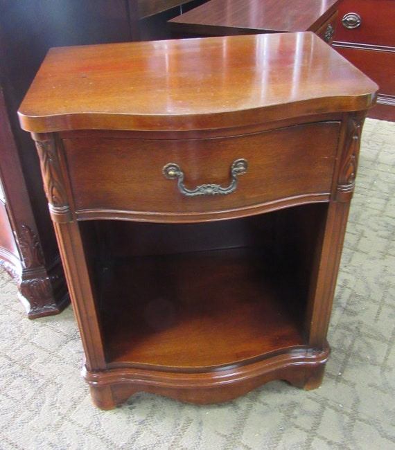 Mahogany end table or night stand