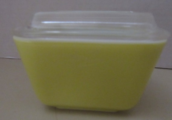 Pyrex YELLOW #502 Daisy Citrus refrigerator dish