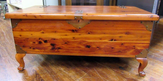 Cedar Blanket Chest by Caswell-Runyan