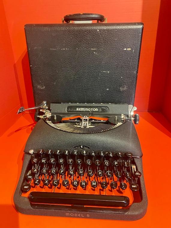 Remington Portable Typewriter model 5 and case