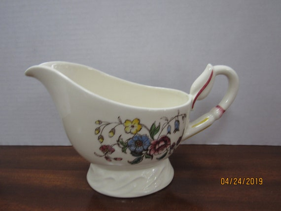 May Flower gravy bowl or pitcher