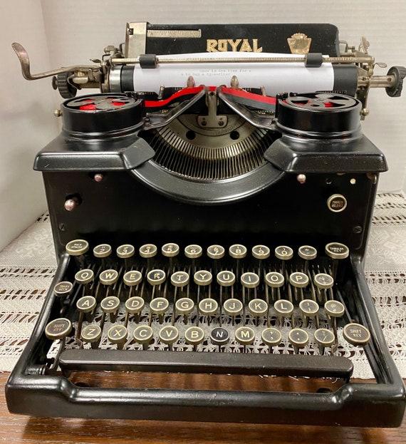 Antique Royal 10 Typewriter