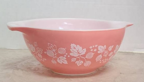 Pyrex Pink Gooseberry cinderella mixing bowl #442