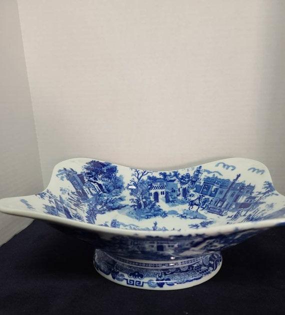 Victoria ware stoneware serving bowl