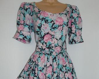 Laura Ashley Vintage Cabbage Rose Fit and Flare Elegant Tea Dress, Size UK 16