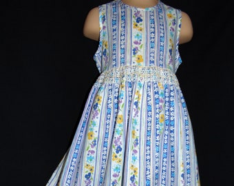 Laura Ashley vintage Mother & Child label,  garland floral, 100% cotton dress, size 3 years