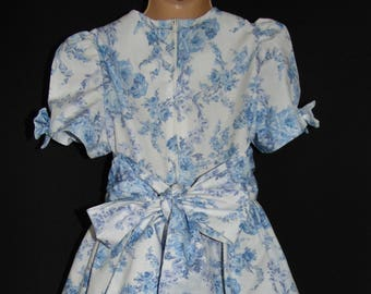 Laura Ashley Vintage blue/ lavender floral cotton ocassion summer dress, size 3 Years