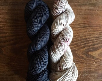 WILLOW MOON kit - Lava stone/Moonstone; 4 skeins DK