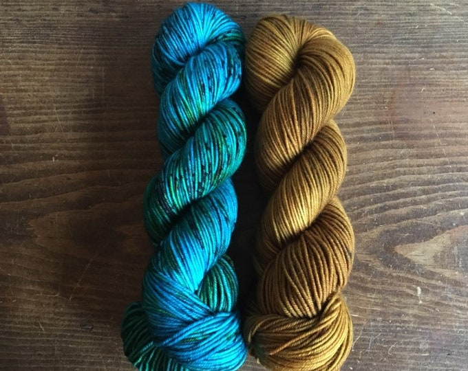 WILLOW MOON kit - Turquoise/Topaz; 4 skeins DK