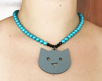 Gray Cat. Necklace. Blue pearl. Black crystal.