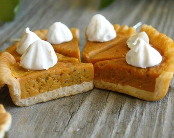 Pumpkin Pie with Whipped Cream Earrings, Thanksgiving Dessert, Polymer clay Food Jewelry, Holiday Tradition
