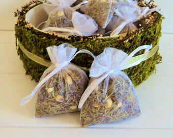ELIZABETHAN WEDDING HERBS, 10 fragrant Herbal Sachets, Biodegradable Confetti, Ecofriendly,  Sachet, Wedding Favors, for fairy tale endings