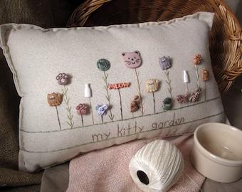 My Kitty Garden Pillow (Cottage Style)