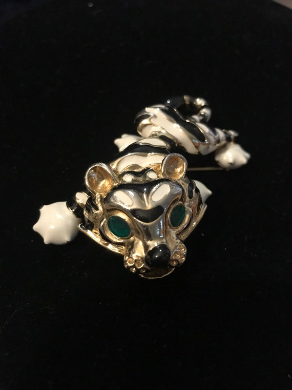 Prowling Tiger Brooch with Emerald Eyes