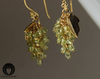 Tiny grapes earrings with olivine