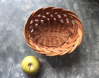 Wicker Oval Basket: Vintage Wicker Bread Basket, Wicker Fruit Basket, Storage Basket, Home Organization, Home Decor
