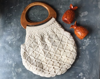 Macrame Purse 1970s Vintage | Macrame Tote With Wood Handles | Winter White Cotton Cord Granny Chic Hand Bag | Tote Bag