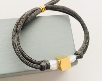 Pearl Cubic Bracelet/ stretch cord/ Vermeil /gold plated.