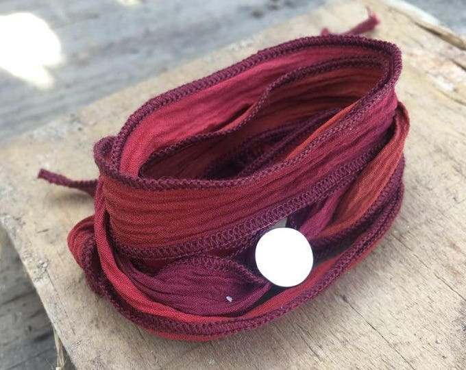 Pulsera BORN Seda/teñido a mano/ color fuego/plata/personalizado.