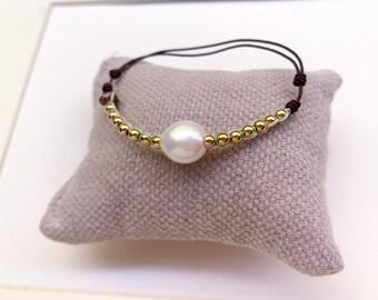 Pearl Bracelet with goldfill beads/ macrame/ small wrist/ AMANDA