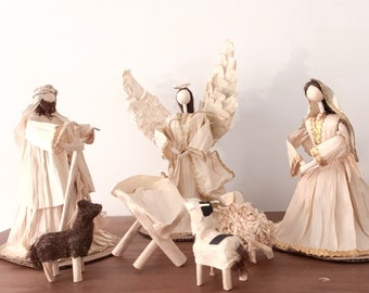 Mexican Nativity 7 Piece Set Corn Husk /Undyed