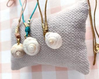 Summer button seashell necklace/ SETÚBAL.