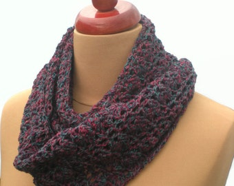 Crochet Infinity Scarf, Snood Scarf, Loop Scarf, Cowl, Chunky Crochet Scarf, Purple Scarf